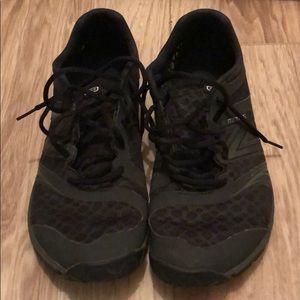 Men's New Balance Minimus Running Shoes Size 9.
